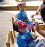 Kinderschminke und Glitzertattos